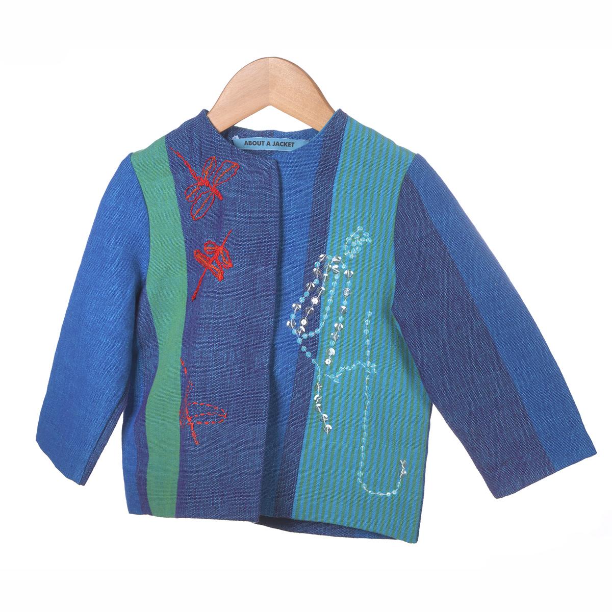 Blauw en groene vlakken jasje met rode borduursel